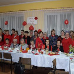 Dzień Kobiet na czerwono w Bysławku